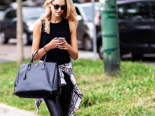 7 Tricks to Ensure Your Handbags Will Last for Years 4a828adbeb2f9
