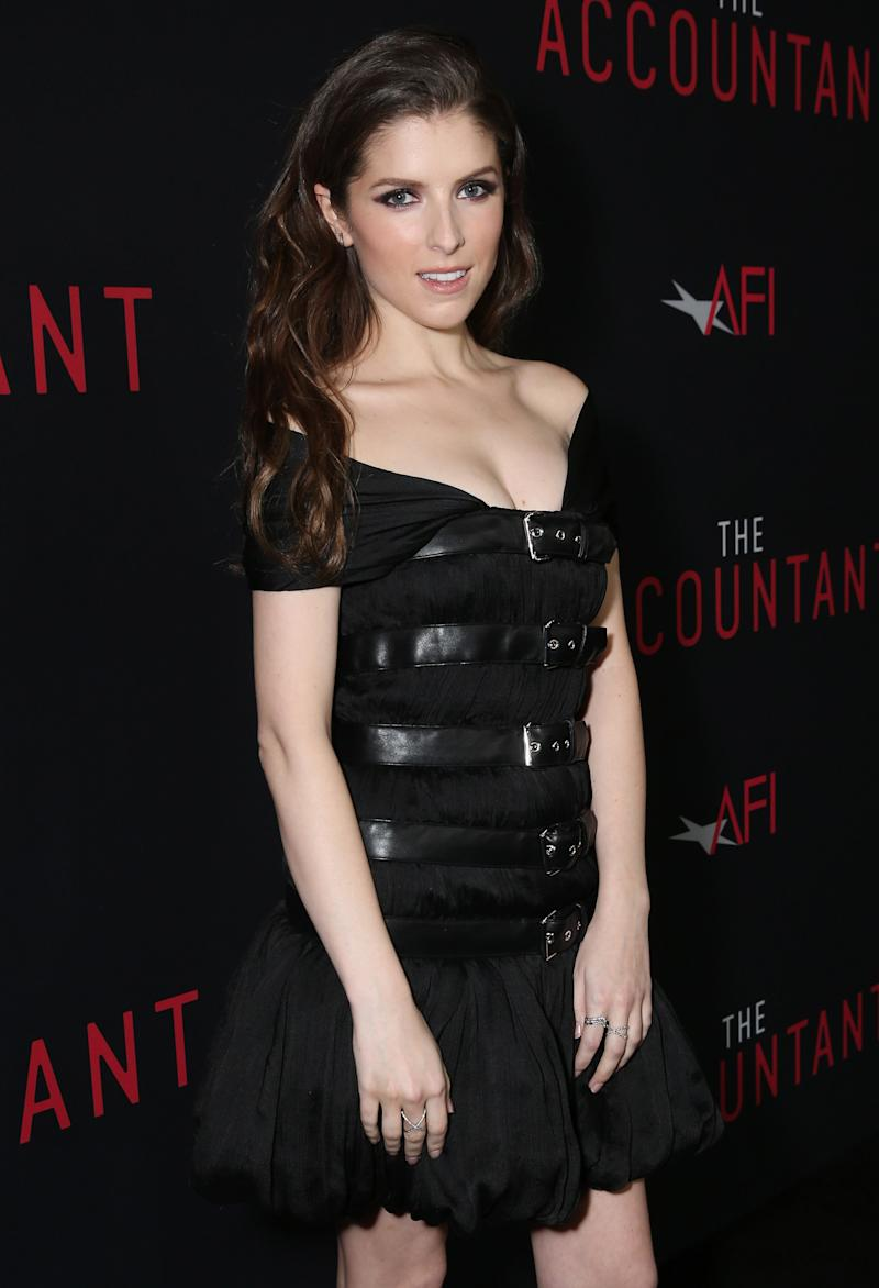 Anna Kendrick looks like a goth princess in this little ...