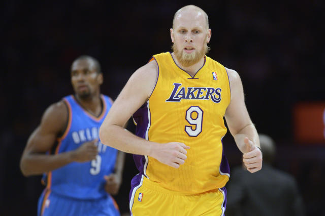 Trail Blazers reach deal to sign center Chris Kaman