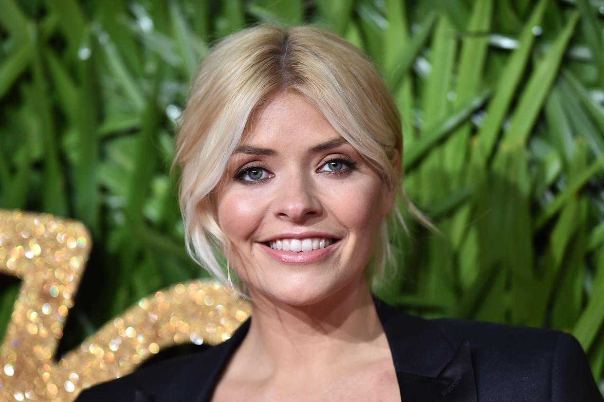 Holly Willoughby attending the Fashion Awards 2017, in partnership with Swarovski, held at the Royal Albert Hall, London. PRESS ASSOCIATION Photo. Picture Date: Monday 4th December, 2017. Photo credit should read: Matt Crossick/PA Wire (Photo by Matt Crossick/PA Images via Getty Images)