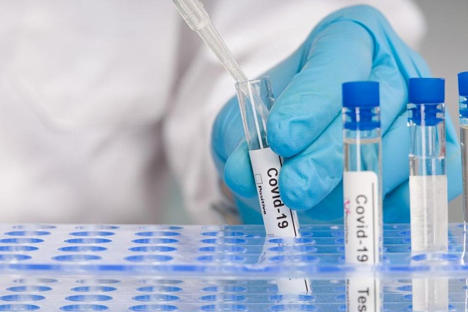 The switch from PCR to lateral flow tests for travel is imminent (Getty Images/iStockphoto)