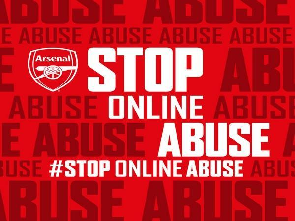 Arsenal launches #StopOnlineAbuse campaign (Photo/ Arsenal Twitter)