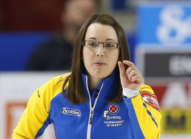 Alberta skip Val Sweeting reacts to her shot in her gold medal game against Manitoba during the Scotties Tournament of Hearts in Moose Jaw, Saskatchewan, February 22, 2015. REUTERS/Todd Korol (CANADA - Tags: SPORT CURLING)