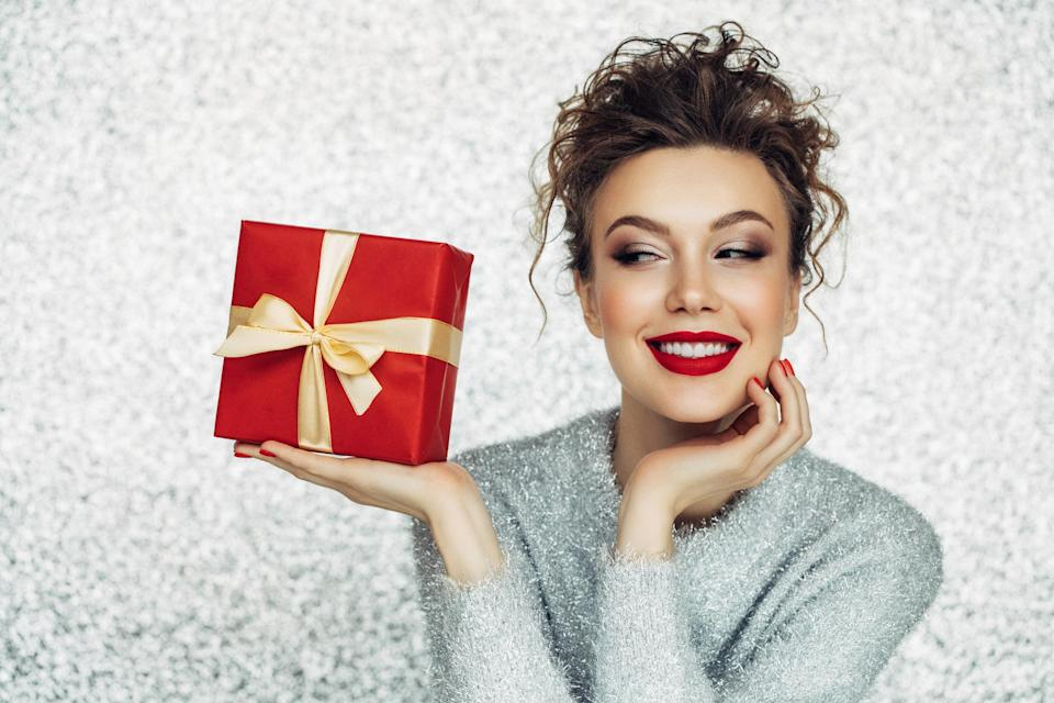 Shop the best fashion sales for last-minute Christmas gifts. (Photo: Getty Images)