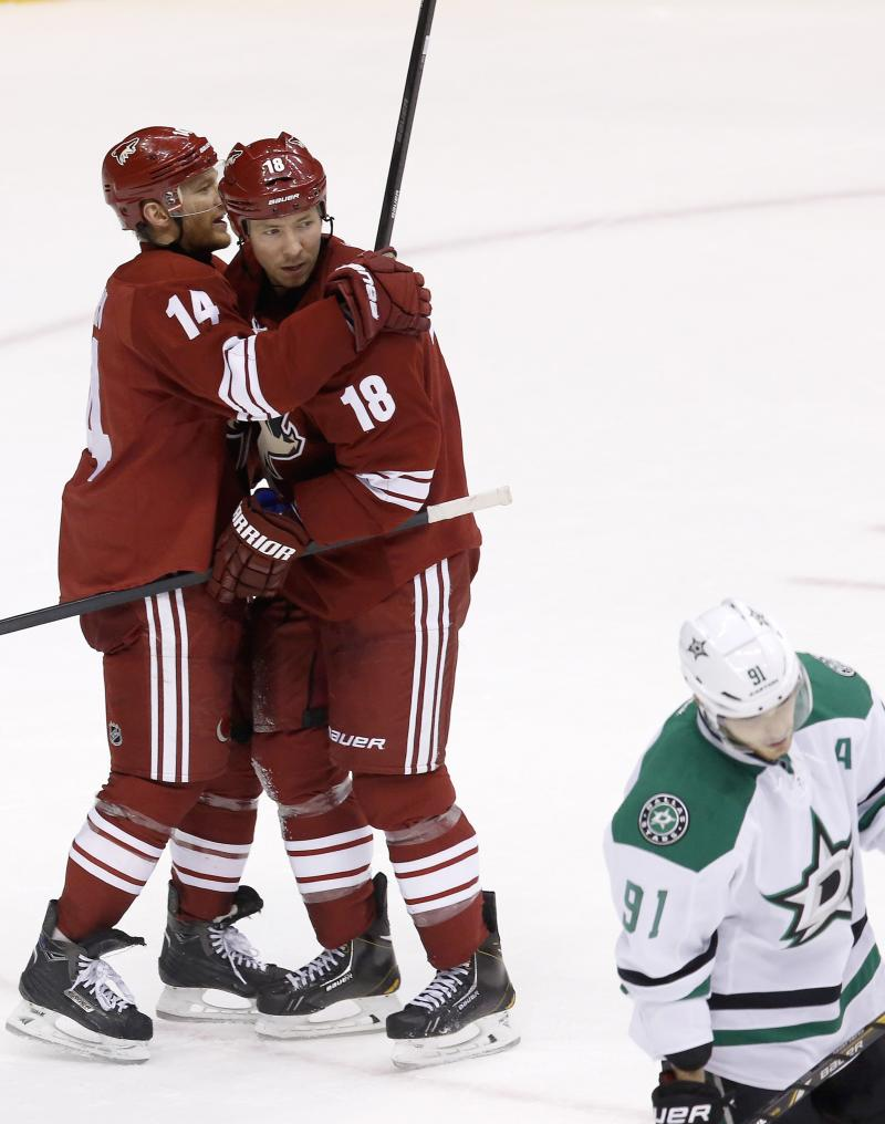 Coyotes fall flat late under new owners