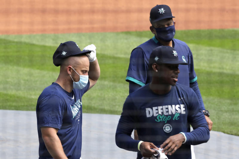 Seager looks to be example for younger teammates in Seattle