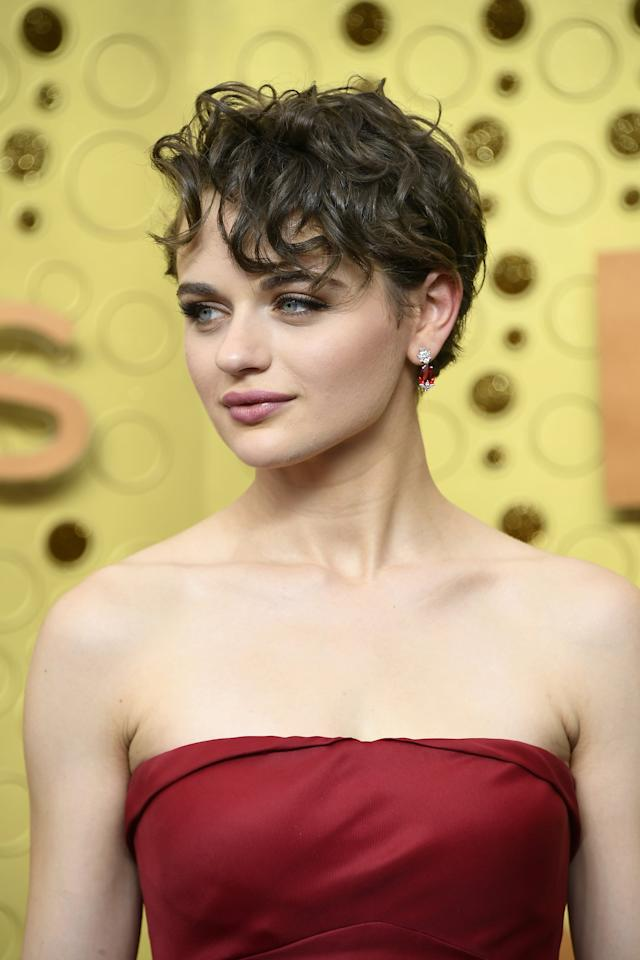 """<p><a href=""""https://www.popsugar.com/beauty/joey-king-curly-hair-emmys-2019-46661438"""" class=""""ga-track"""" data-ga-category=""""Related"""" data-ga-label=""""https://www.popsugar.com/beauty/joey-king-curly-hair-emmys-2019-46661438"""" data-ga-action=""""In-Line Links"""">Joey King's curly pixie cut</a> made us tempted to cut our own hair.</p>"""