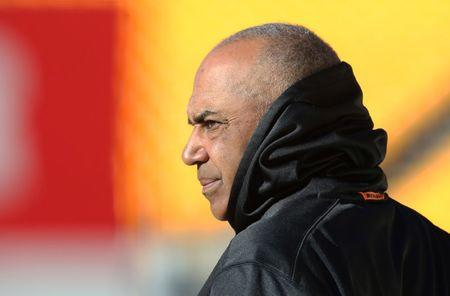 Marvin Lewis endorses Hue Jackson as his successor with Bengals