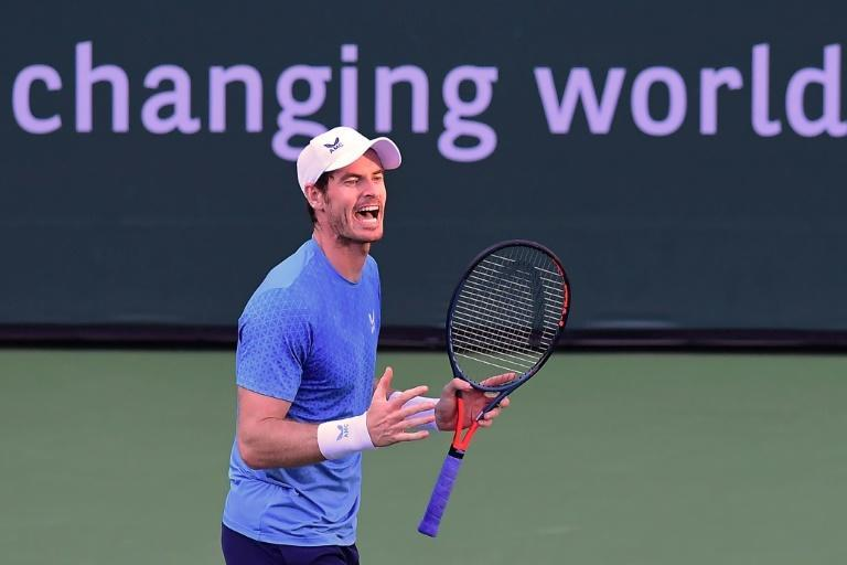 Andy Murray fought back in the second set tiebreaker to get to 4-5 before Alexander Zverev finished him off at the net (AFP/Frederic J. BROWN)