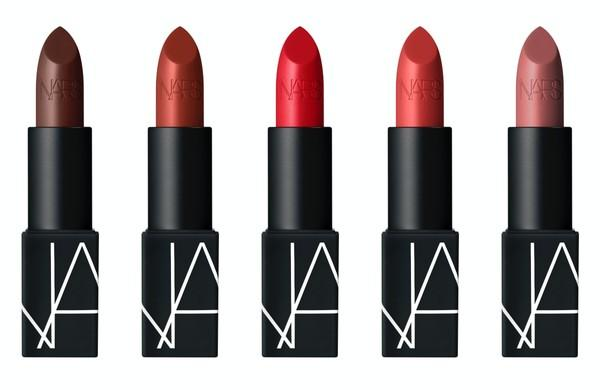 ▲NARS 絕對經典唇膏 3.5g NT$950。左至右色號:#OPULENT RED、#IMMORTAL RED、#INAPPROPRIATE、#INTRIGUE、#TOLEDE(圖/NARS)