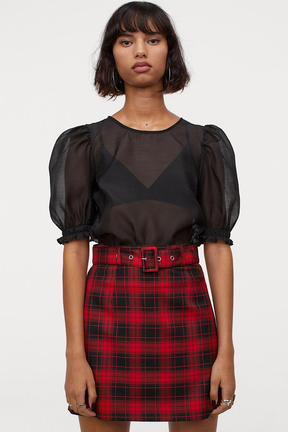 """<p><strong>H&M</strong></p><p>hm.com</p><p><strong>$24.99</strong></p><p><a href=""""https://go.redirectingat.com?id=74968X1596630&url=https%3A%2F%2Fwww2.hm.com%2Fen_us%2Fproductpage.0777892011.html&sref=https%3A%2F%2Fwww.seventeen.com%2Ffashion%2Ftrends%2Fg31932109%2Fbest-teen-stores%2F"""" rel=""""nofollow noopener"""" target=""""_blank"""" data-ylk=""""slk:Shop Now"""" class=""""link rapid-noclick-resp"""">Shop Now</a></p><p>Designer collabs at crazy-affordable prices? Count me in. <a href=""""https://go.redirectingat.com?id=74968X1596630&url=https%3A%2F%2Fwww2.hm.com%2Fen_us%2Findex.html&sref=https%3A%2F%2Fwww.seventeen.com%2Ffashion%2Ftrends%2Fg31932109%2Fbest-teen-stores%2F"""" rel=""""nofollow noopener"""" target=""""_blank"""" data-ylk=""""slk:H&M"""" class=""""link rapid-noclick-resp"""">H&M</a> has literally everything on your shopping list, from every-day T-shirts to stylish dresses you could wear for your next school dance. </p>"""