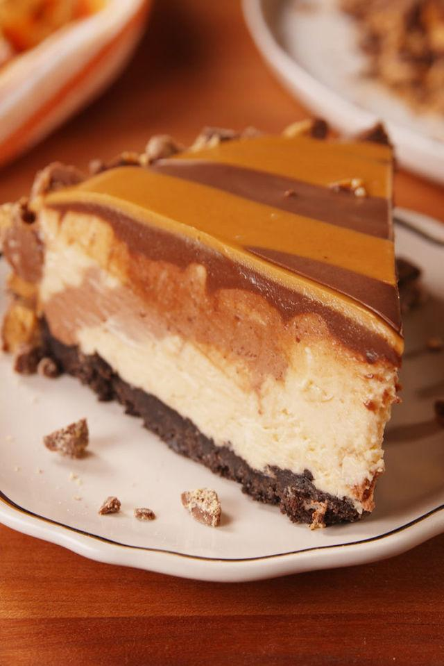 "<p>Peanut butter lovers, this is the dessert for you.</p><p>Get the recipe from <a rel=""nofollow"" href=""http://www.delish.com/cooking/recipe-ideas/recipes/a53930/reeses-tiger-pie-recipe/"">Delish</a>.</p><p><strong><em>WHIP IT GOOD: KitchenAid Hand Mixer, $36; <a rel=""nofollow"" href=""http://buy.geni.us/Proxy.ashx?TSID=21947&GR_URL=https%3A%2F%2Fwww.amazon.com%2FKitchenAid-KHM512ER-5-Speed-Ultra-Empire%2Fdp%2FB009VUHLHA%2F%3Ftag%3Ddelish_auto-append-20%26ascsubtag%3Ddelish.article.53930"">amazon.com</a></em></strong><strong><em>.</em></strong></p>"