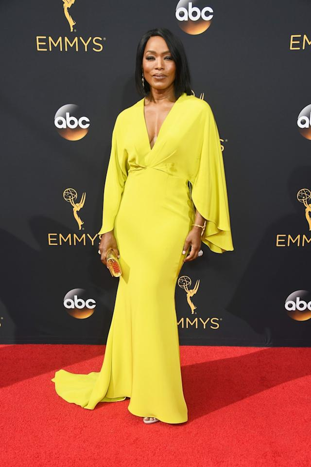 """<p>Siriano tweeted of Angela Bassett's look, """"I love you and you look so chic."""" The admiration went both ways, as she responded, """"Oh @CSiriano, you do make me shine!"""" <em>(Photo: Getty Images)</em></p>"""