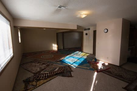 The interior of a mosque located within an apartment complex, which federal authorities allege was to be targeted in a bomb plot by three Kansas men, is seen in Garden City, Kansas, U.S. October 14, 2016. REUTERS/Adam Shrimplin