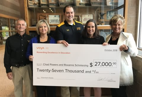Voya Honors New London, Minnesota, Teachers with First-Place Unsung Heroes Program Award