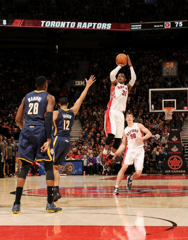 Raptors upend Pacers 102-94