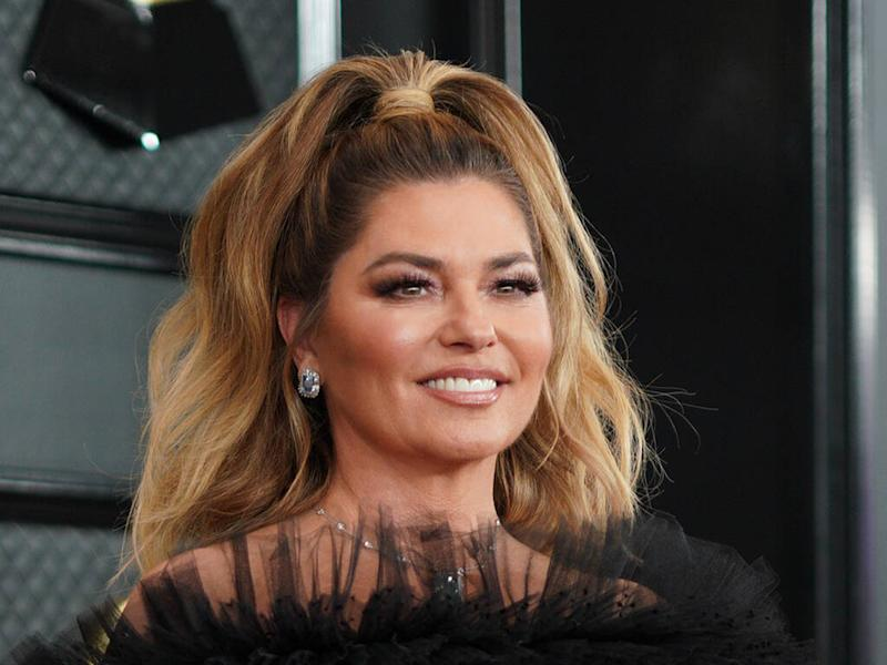 Shania Twain isn't afraid to alter her red carpet outfits