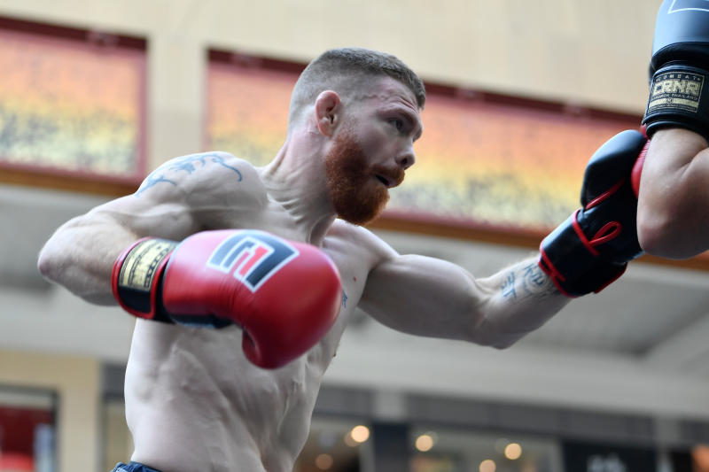 ABU DHABI, UNITED ARAB EMIRATES - SEPTEMBER 04: Paul Felder holds an open training session for fans and media at Yas Mall on September 4, 2019 in Abu Dhabi, United Arab Emirates. (Photo by Jeff Bottari/Zuffa LLC/Zuffa LLC via Getty Images)