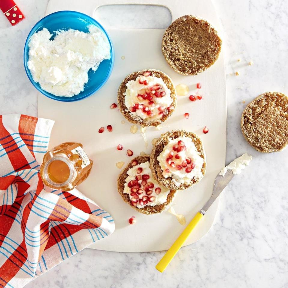 <p>Split a whole-grain English muffin. Top with 2 Tbs. ricotta cheese and sprinkle on pomegranate seeds. Drizzle with 1 tsp. honey. </p>