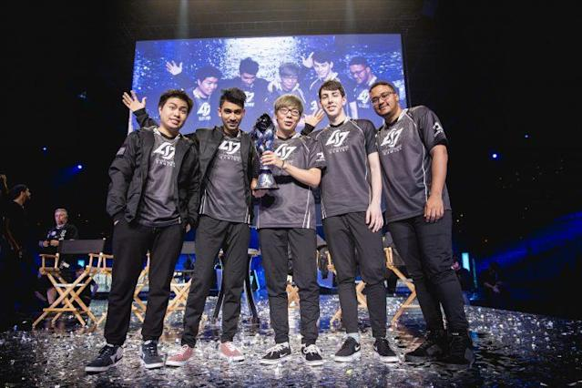 Victorious CLG at the 2016 NA LCS Finals (Riot Games/lolesports)