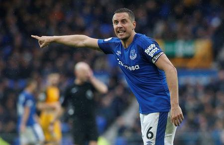 Soccer Football - Premier League - Everton vs Brighton & Hove Albion - Goodison Park, Liverpool, Britain - March 10, 2018 Everton's Phil Jagielka gestures Action Images via Reuters/Craig Brough