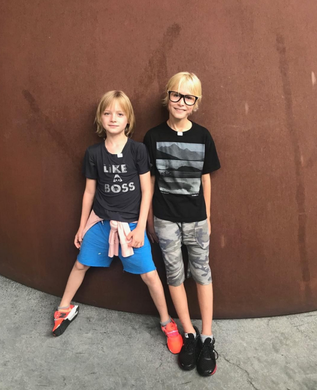 "<p>Like it's not cool enough being <em>Ray Donovan</em>'s kids, they also get to have a nickname like ""Schreib tribe."" We envy these cuties. (Photo: <a href=""https://www.instagram.com/p/BaCHgSzAEEw/?taken-by=lievschreiber"" rel=""nofollow noopener"" target=""_blank"" data-ylk=""slk:Liev Schreiber via Instagram"" class=""link rapid-noclick-resp"">Liev Schreiber via Instagram</a>) </p>"