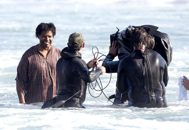 <p>The two-time Oscar winner was wet and wild while filming a scene for the crime drama <i>Inner City</i> in Venice, Calif. (Photo: Splash News) </p>