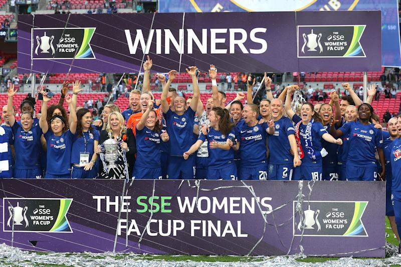 LONDON, ENGLAND - MAY 05: Chelsea Ladies celebrate winning the trophy during the SSE Women's FA Cup Final between Arsenal Women and Chelsea Ladies at Wembley Stadium on May 5, 2018 in London, England. (Photo by Charlotte Wilson/Offside/Getty Images)