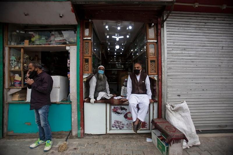 Six-day Lockdown Imposed in Kashmir Valley to Stem Coronavirus Spread amid Surge in Cases