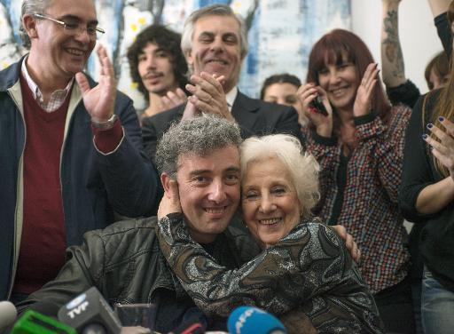 Long-lost Argentine grandson tweets photo with grandma