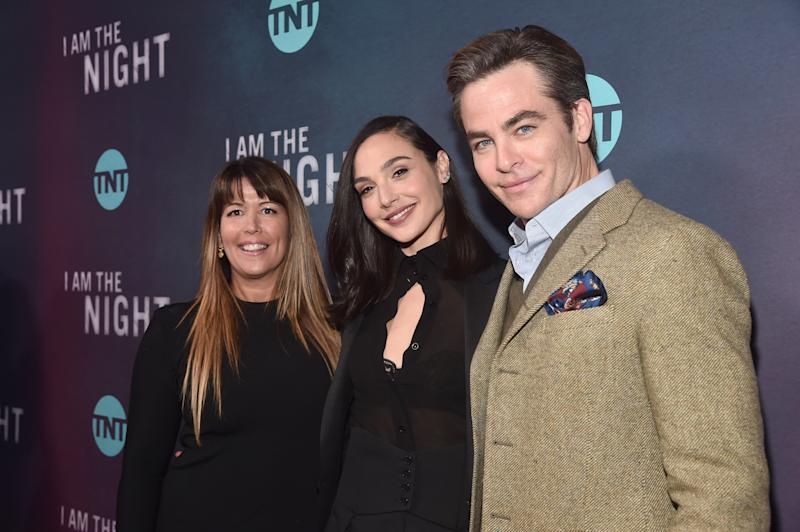 """LOS ANGELES, CALIFORNIA - JANUARY 24: Patty Jenkins, Gal Gadot and Chris Pine attend the premiere of TNT's """"I Am The Night"""" at Harmony Gold on January 24, 2019 in Los Angeles, California. (Photo by Alberto E. Rodriguez/Getty Images)"""