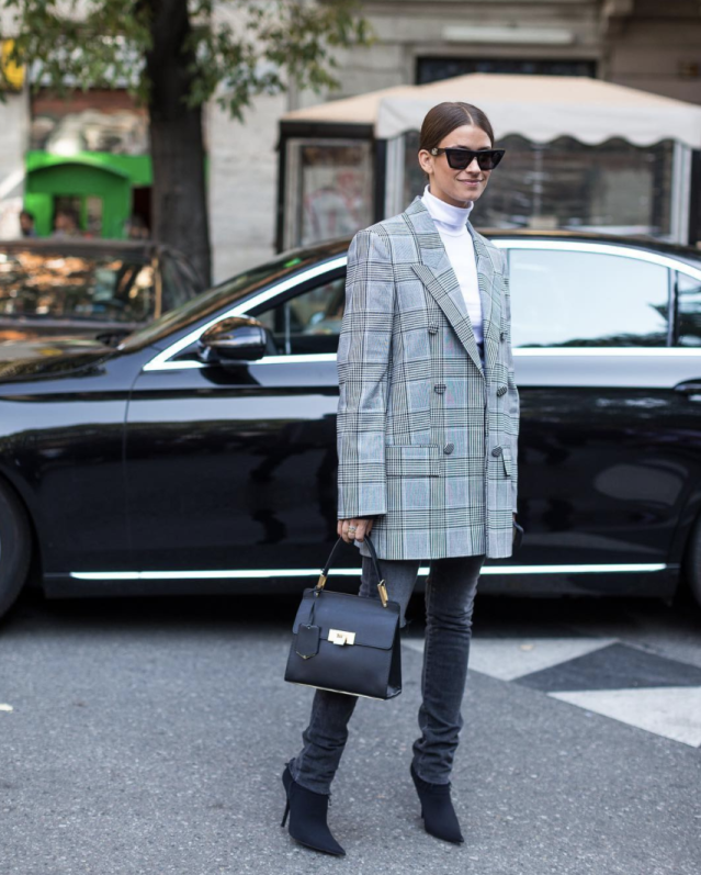 <p>If you haven't got the memo, oversized blazers are quite literally huge this season. <em>[Photo: amandaalagem/ Instagram]</em> </p>
