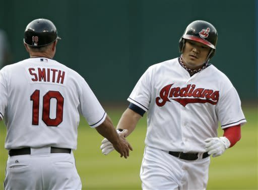 Indians hit 3 HRs, edge Rays 3-1