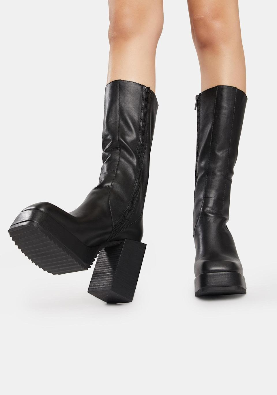 <p><span>Darker Wavs Snare Leather Squared Toe Platform Boots</span> ($138)</p>