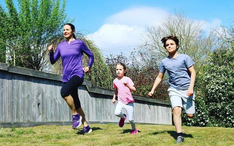 Jo Pavey and her children