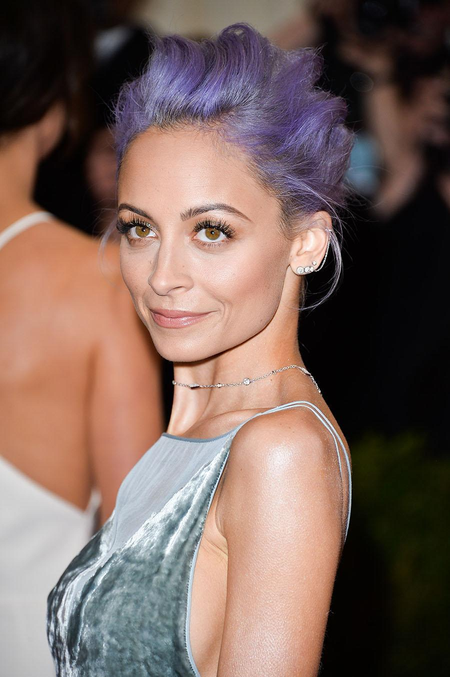 <p>Richie isn't afraid to play in the coloring box when it comes to trying new hair hues. Her soft lilac look is fire. (Photo: Getty Images) </p>