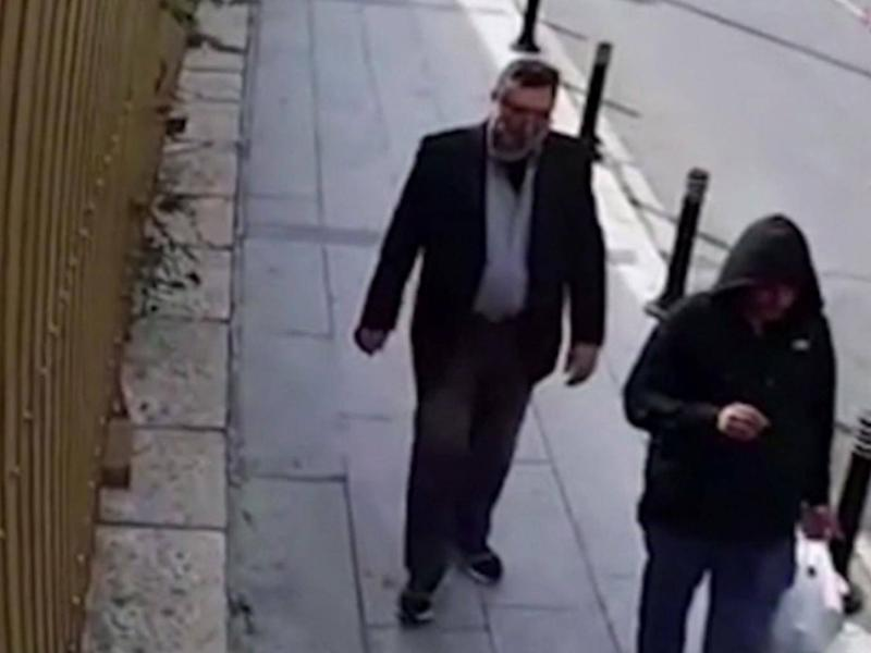 Surveillance footage shows the lookalike on the streets of Istanbul (Screengrab/CNN)