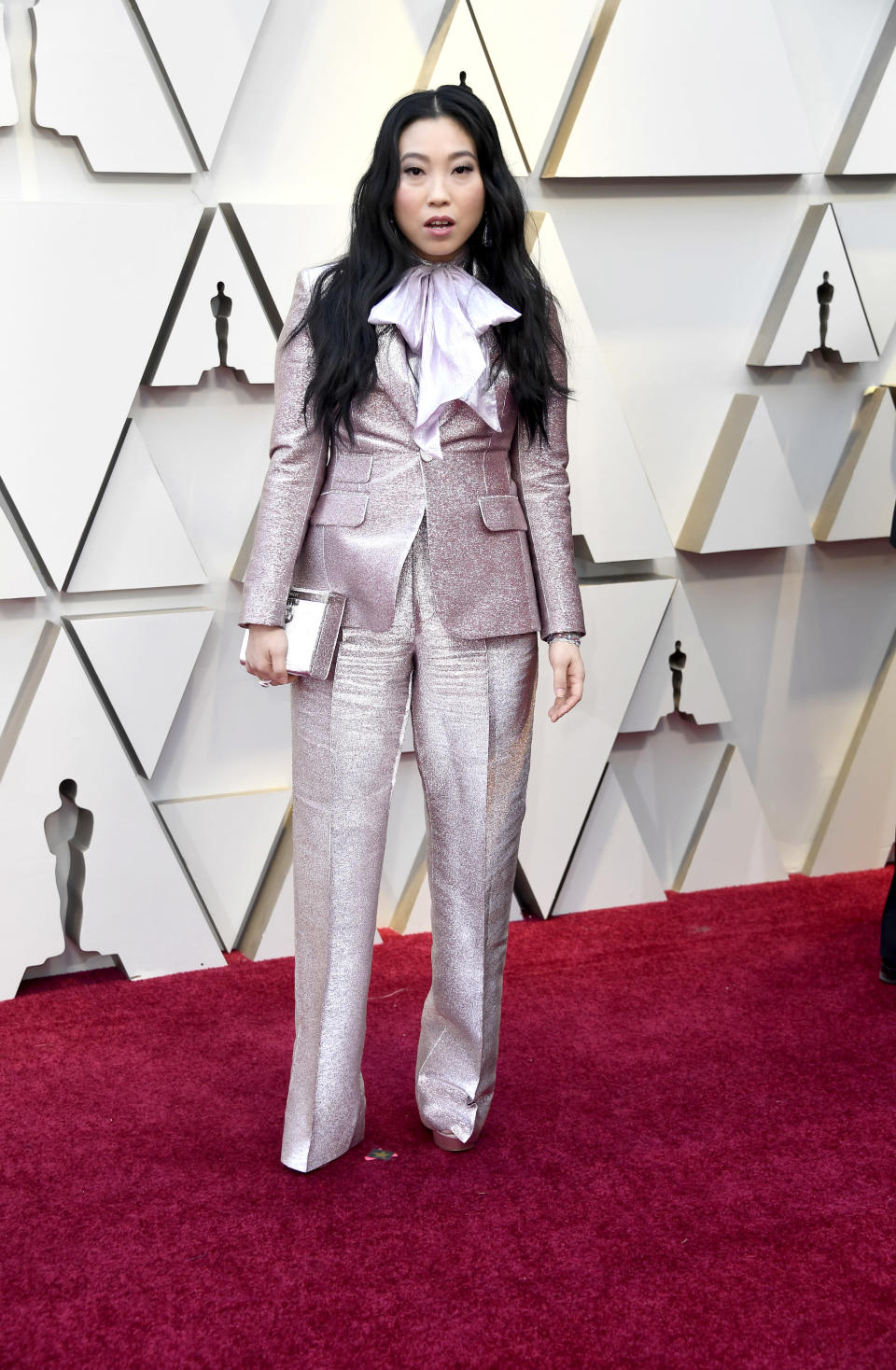 """<p>The comedian and """"Crazy Rich Asians"""" star mixed things up on the red carpet in a tuxedo by DSquared. <em>[Photo: Getty]</em> </p>"""