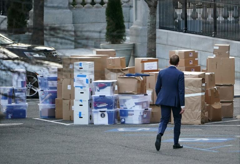 The movers are busy at the White House