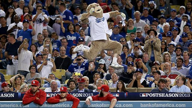 Dancing bear ejected from Dodger Stadium during NLCS Game 3
