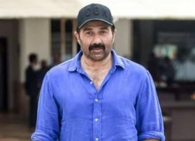 MP Sunny Deol helps a woman from Gurdaspur who was sold as slave in Kuwait