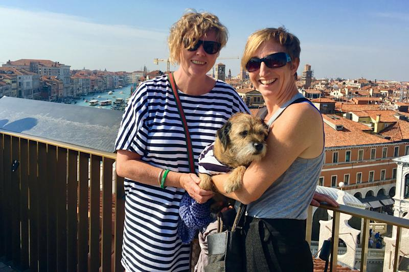 Pete the border terrier in Venice, Italy with Jo Partington and Natasha Cooper. (Photo: Caters News)