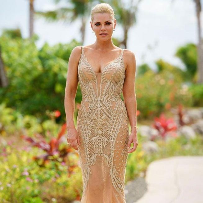 She had to make one of the biggest decisions of her life, and Sophie Monk was dressed accordingly for The Bachelorette finale. Source: Channel Ten