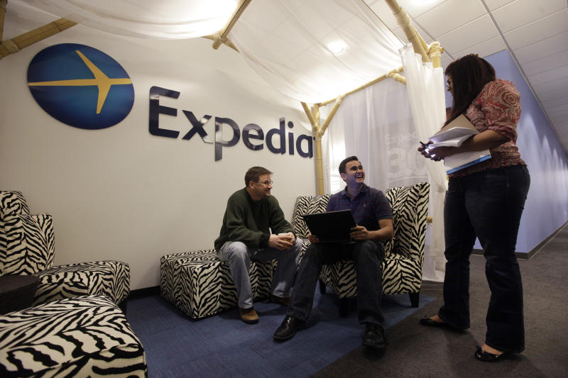 Expedia 4Q profit plunges 90 percent on charges