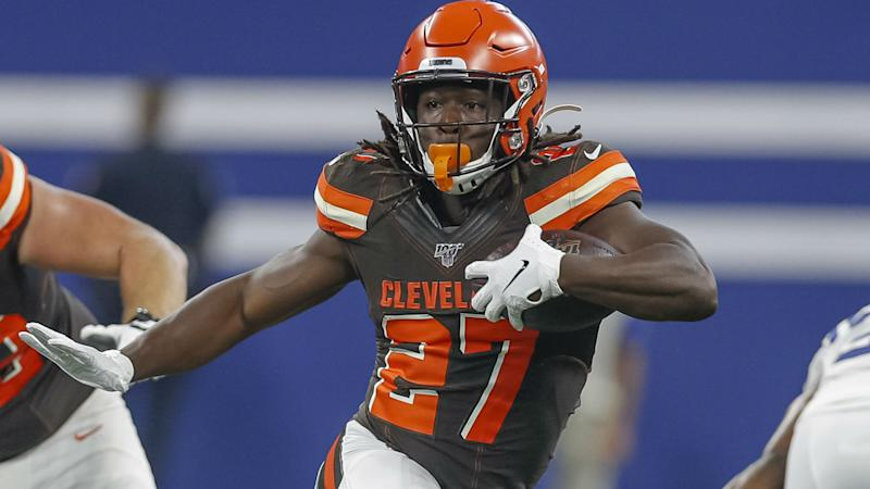 Browns sign RB Hunt to two-year, $13.25m extension