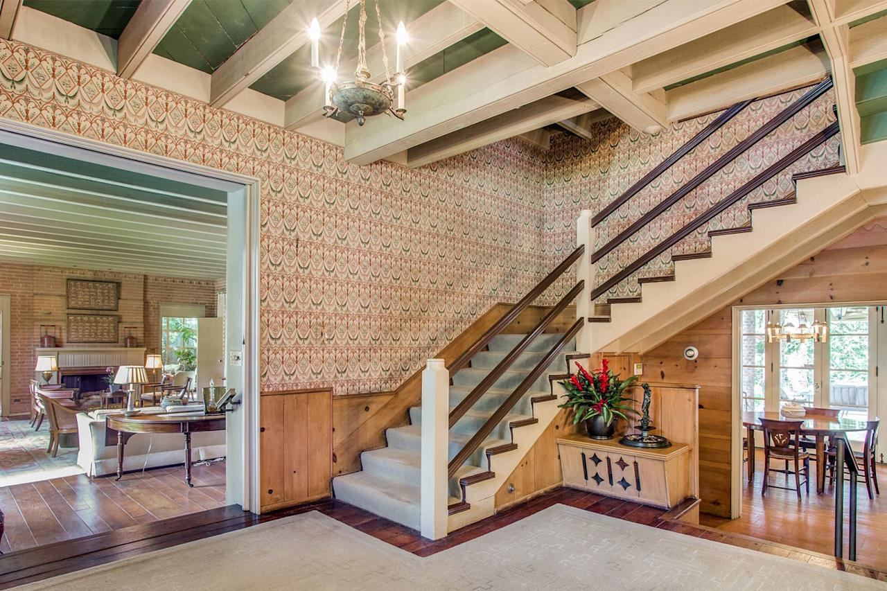 <p>Open beam ceilings, a fixture in Texas frontier homes, help to minimize heat.</p>