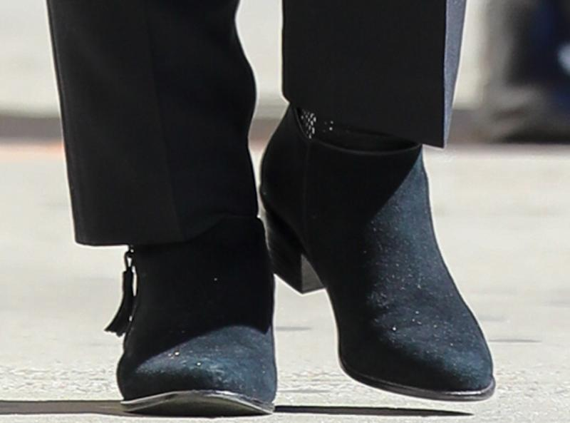 hillary clinton shoe style