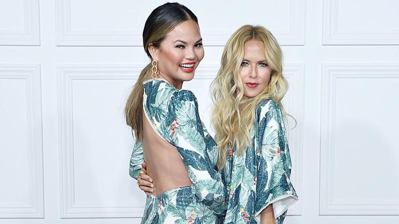 She also posed with a pregnant Jessica Alba!