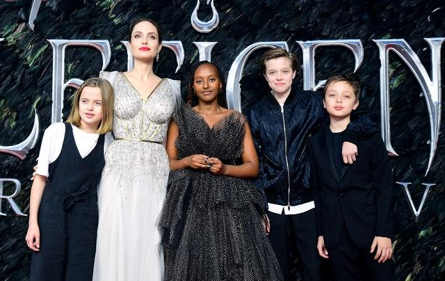 Angelina Jolie with children (left to right) Vivienne Marcheline Jolie-Pitt, Zahara Marley Jolie-Pitt, Shiloh Nouvel Jolie-Pitt and Knox Leon Jolie-Pitt