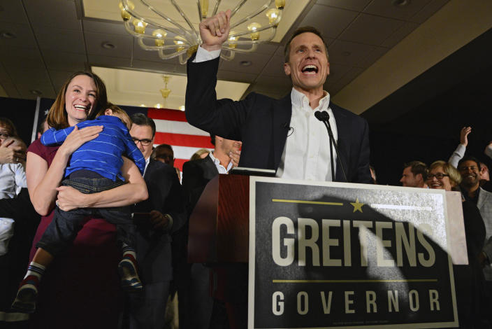 Missouri Republican Gov.-elect Eric Greitens delivers a victory speech alongside his wife, Sheena, and son Joshua Tuesday, Nov. 8, 2016, in Chesterfield, Mo. (Photo: Jeff Curry/AP)